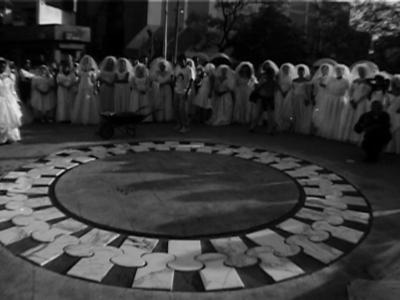 Mosaico Branco por 60 Mulheres/ White Mosaic by 60 Women – 2001